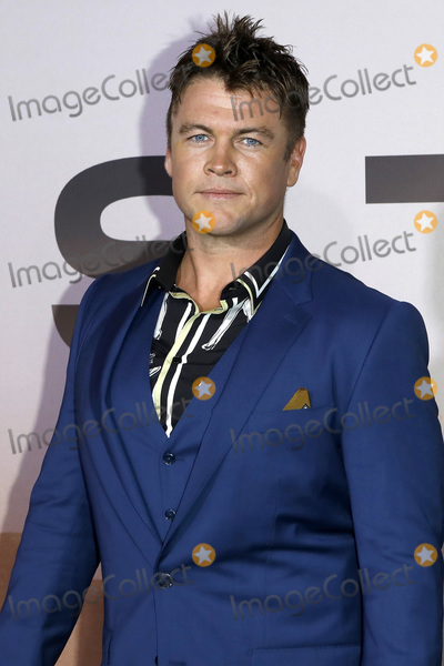 LUKE HEMSWORTH Photo - LOS ANGELES - MAR 5  Luke Hemsworth at the Westworld Season 3 Premiere at the TCL Chinese Theater IMAX on March 5 2020 in Los Angeles CA