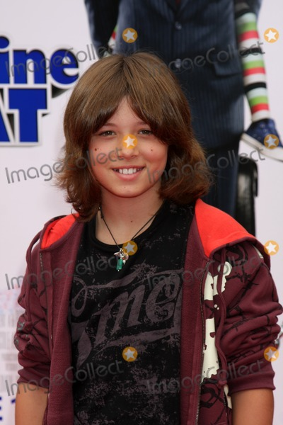 Leo Howard Photo - Leo Howard arriving at the Image That Premiere at the Paramount Theater on the Paramount Lot in Los Angeles CA on June 6 2009
