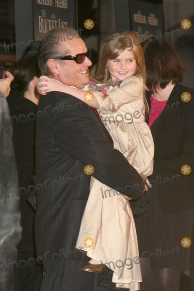 Anne Thompson Photo - Jack Nicolson  Taylor Ann ThompsonBucket List PremiereArcLight Cinerama DomeDecember 16 2007Los Angeles CA