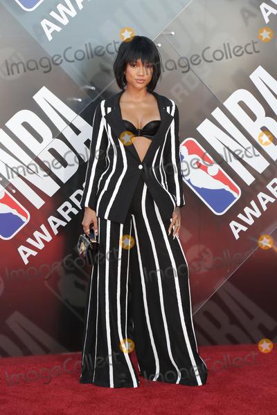 Karrueche Tran Photo - LOS ANGELES - JUN 25  Karrueche Tran at the 2018 NBA Awards at the Barker Hanger on June 25 2018 in Santa Monica CA