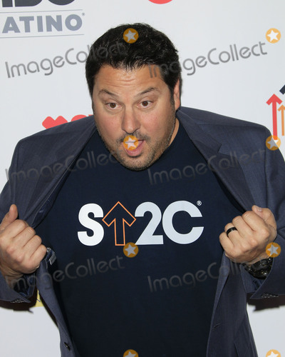 Greg Grunberg Photo - LOS ANGELES - SEP 9  Greg Grunberg at the 5th Biennial Stand Up To Cancer at the Walt Disney Concert Hall on September 9 2016 in Los Angeles CA