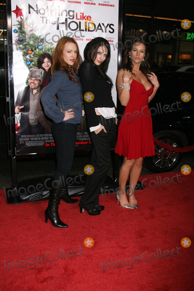 Julia Voth Photo - Erin Cummings Julia Voth and America Olivo arriving at the Premiere of Nothing Like the Holidays at the Graumans Chinese Theater in Hollywood CADecember 3 2008