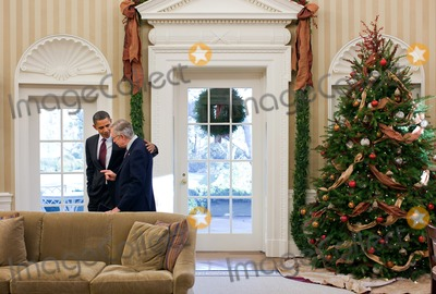 Harry Reid Photo - United States President Barack Obama talks with US Senate Majority Leader Harry Reid (Democrat of Nevada) in the Oval Office December 4 2010 Photo by Pete SouzaWhite HouseCNP-PHOTOlinknet