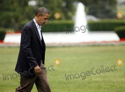 Barack obama pussy lawn jockey 15