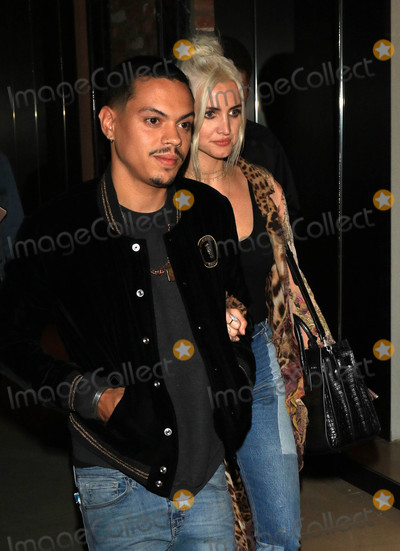 Ashlee Simpson Photo - Photo by gotpapstarmaxinccomSTAR MAX2017ALL RIGHTS RESERVEDTelephoneFax (212) 995-119651617Ashlee Simpson and Evan Ross are seen in Los Angeles CA