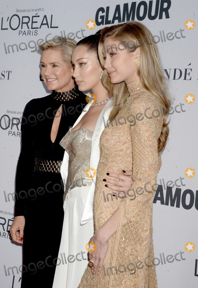 Yolanda Hadid Photo - Photo by Dennis Van TinestarmaxinccomSTAR MAXCopyright 2017ALL RIGHTS RESERVEDTelephoneFax (212) 995-1196111317Yolanda Hadid Bella Hadid and Gigi Hadid at The 2017 Glamour Women Of The Year Awards in Brooklyn New York City(NYC)