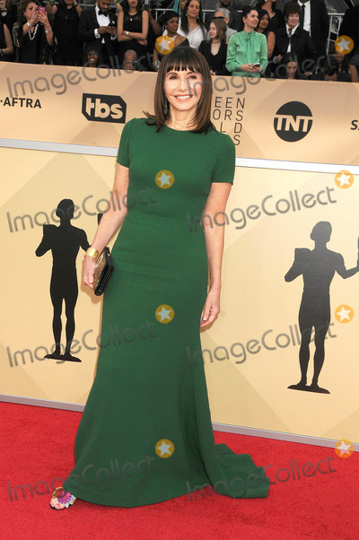 Mary Steenburgen Photo - Photo by GalaxystarmaxinccomSTAR MAX2018ALL RIGHTS RESERVEDTelephoneFax (212) 995-119612118Mary Steenburgen at the 24th Annual Screen Actors Awards (SAG) held at the Shrine Auditorium(Los Angeles CA)