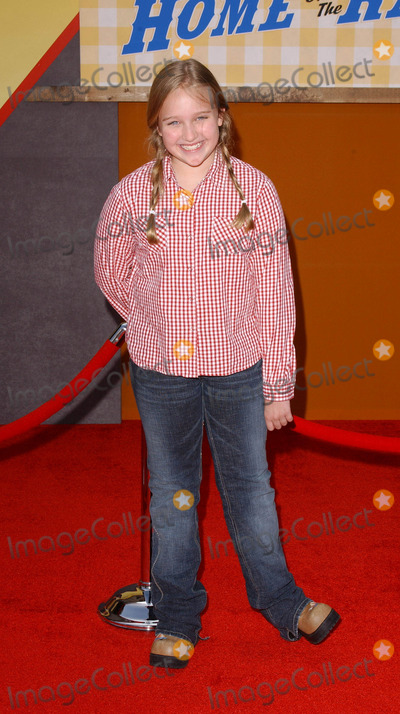 Amy Bruckner Photo - Photo by Lee Rothstarmaxinccom200432104Amy Bruckner at the world premiere of Home On The Range(Hollywood CA)