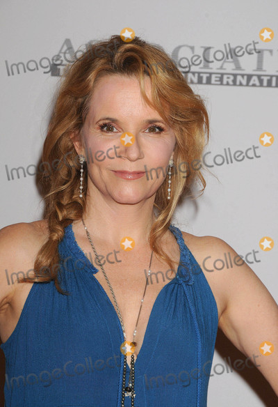 Lea Thompson Photo - Photo by GalaxystarmaxinccomSTAR MAX2017ALL RIGHTS RESERVEDTelephoneFax (212) 995-11965517Lea Thompson at the 24th Annual Race To Erase MS Gala in Beverly Hill CA