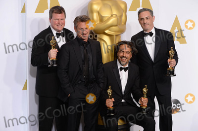 Alejandro GInarritu Photo - Photo by PDstarmaxinccomSTAR MAX2015ALL RIGHTS RESERVEDTelephoneFax (212) 995-119622215Producer James W Skotchdopole actor Sean Penn producerdirector Alejandro G Inarritu and producer John Lesher in the Press Room at the 2015 Oscars held at the Kodak Theatre Hollywood(Los Angeles USA)
