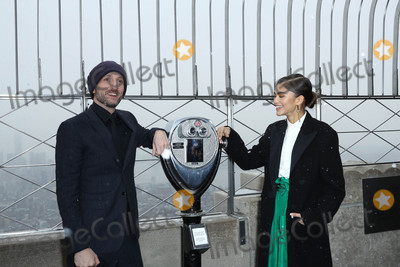 Zendaya Coleman Photo - Photo by John NacionstarmaxinccomSTAR MAX2017ALL RIGHTS RESERVEDTelephoneFax (212) 995-119612917Michael Gracey and Zendaya Coleman at The Greatest Showman Cast Light up the Empire State Building in New York City