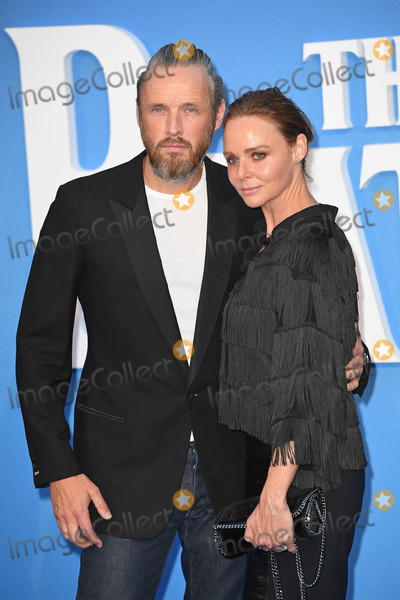 Alasdhair Willis Photo - Photo by KGC-143starmaxinccomSTAR MAX2016ALL RIGHTS RESERVEDTelephoneFax (212) 995-119691516Stella McCartney and Alasdhair Willis at the premiere of The Beatles Eight Days A Week - The Touring Years(London England)