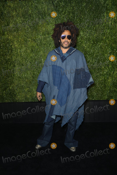 Lenny Kravitz Photo - Photo by John NacionstarmaxinccomSTAR MAX2018ALL RIGHTS RESERVEDTelephoneFax (212) 995-119642318Lenny Kravitz at The 2018 Chanel Tribeca Film Festival Artists Dinner in New York City