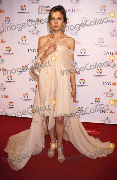 Allegra Versace Photo - Photo by REWestcomstarmaxinccom200610706Allegra Versace at the Noche de Ninos Gala to benefit the Childrens Hospital of Los Angeles(Beverly Hills CA)