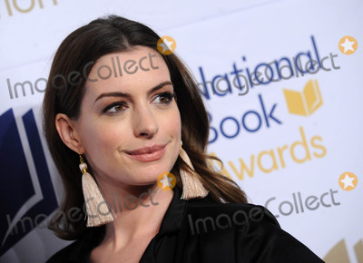 Ann Hathaway Photo - Photo by Dennis Van TinestarmaxinccomSTAR MAX2017ALL RIGHTS RESERVEDTelephoneFax (212) 995-1196111517Anne Hathaway at The 68th National Book Awards in New York City