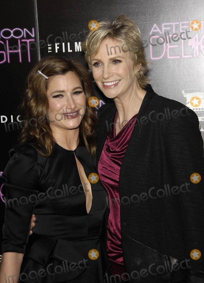 JLS Photo - Photo by Michael Germanastarmaxinccom2013ALL RIGHTS RESERVEDTelephoneFax (212) 995-119681913Kathryn Hahn and Jane Lynch at the premiere of Afternoon Delight(Hollywood CA)