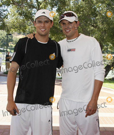 Mike Bryan Photo - Photo by NPXstarmaxinccom200892708Bob Bryan and Mike Bryan at the All-Star Tennis Smash(Thousand Oaks CA)Not for syndication in France