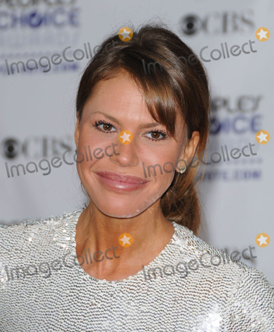 Nikki Cox Photo - Photo by Genesisstarmaxinccom20091709Nikki Cox at the Peoples Choice Awards(Los Angeles CA)