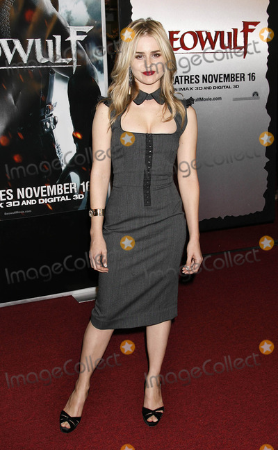 Alison Lohman Photo - Photo by NPXstarmaxinccom200711507Alison Lohman at the premiere of Beowulf(Westwood CA)Not for syndication in France