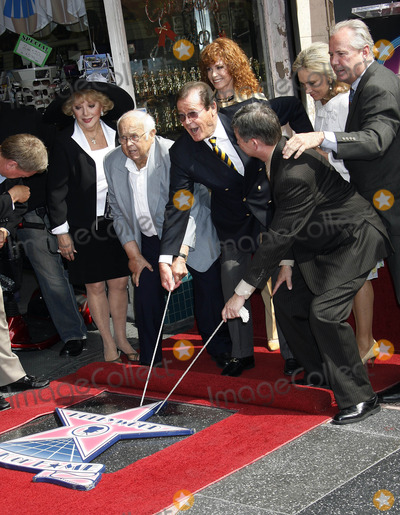 Stephanie Powers Photo - Photo by NPXstarmaxinccom2007101107Roger Moore - with his wife Christina Kiki Tholstrup Debbie Reynolds and Stephanie Powers - receives his star on the Hollywood Walk of Fame(Hollywood CA)Not for syndication in France
