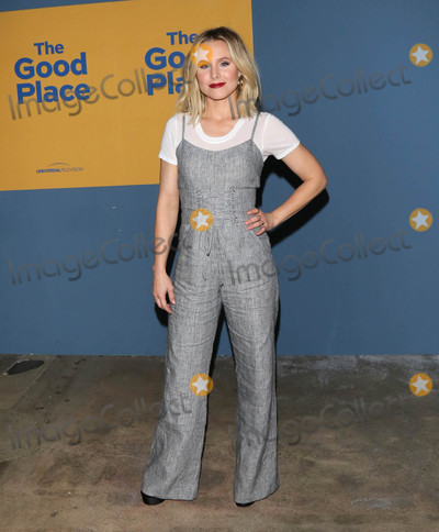 Kristen Bell Photo - Photo by gotpapstarmaxinccomSTAR MAX2017ALL RIGHTS RESERVEDTelephoneFax (212) 995-119661217Kristen Bell at NBCs The Good Place FYC copyright UCB in Los Angeles CA