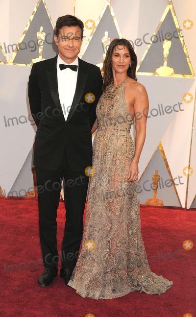 Amanda Anka Photo - Photo by GalaxystarmaxinccomSTAR MAXCopyright 2017ALL RIGHTS RESERVEDTelephoneFax (212) 995-119622617Jason Bateman and Amanda Anka at the 89th Annual Academy Awards (Oscars)(Hollywood CA USA)