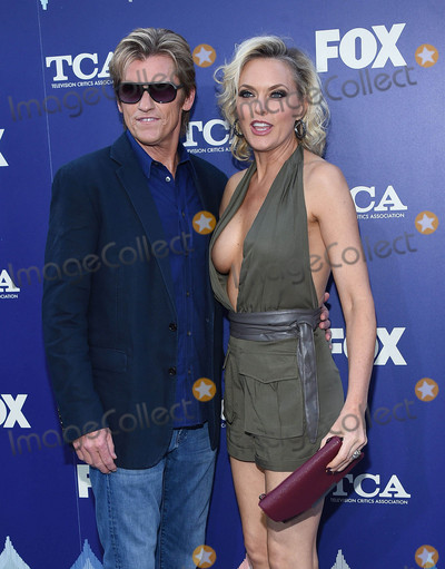 Denis Leary Photo - Photo by KGC-11starmaxinccomSTAR MAX2016ALL RIGHTS RESERVEDTelephoneFax (212) 995-11968816Denis Leary and Elaine Hendrix at The 2016 FOX Summer TCA Party in Los Angeles CA
