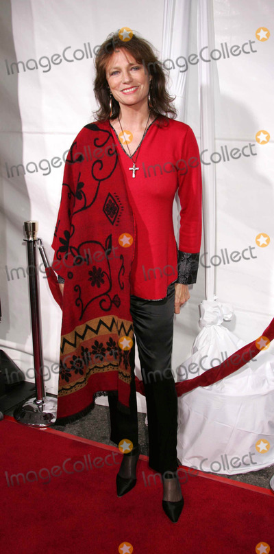 Jacqueline Bisset Photo - Photo by REWestcomstarmaxinccom200542905Jacqueline Bisset at the premiere of Monster-In-Law(Los Angeles CA)