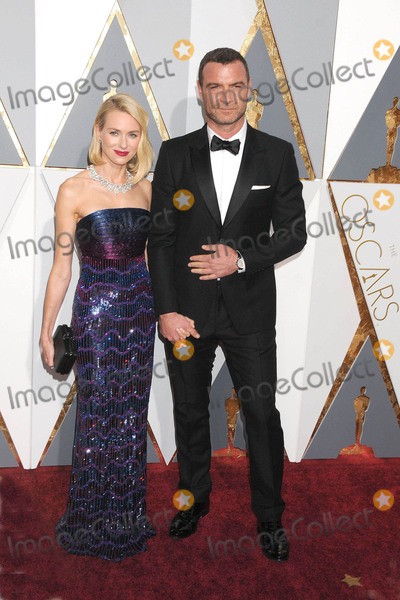 The 88 Photo - Photo by KGC-136-JRstarmaxinccomSTAR MAXCopyright 2016ALL RIGHTS RESERVEDTelephoneFax (212) 995-119622816Naomi Watts and Liev Schreiber at the 88th Annual Academy Awards (Oscars)(Hollywood CA USA)