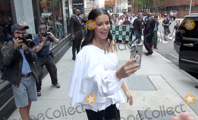 Adriana Lima Photo - Photo by gotpapstarmaxinccomSTAR MAX2017ALL RIGHTS RESERVEDTelephoneFax (212) 995-119692017Adriana Lima is seen in New York City