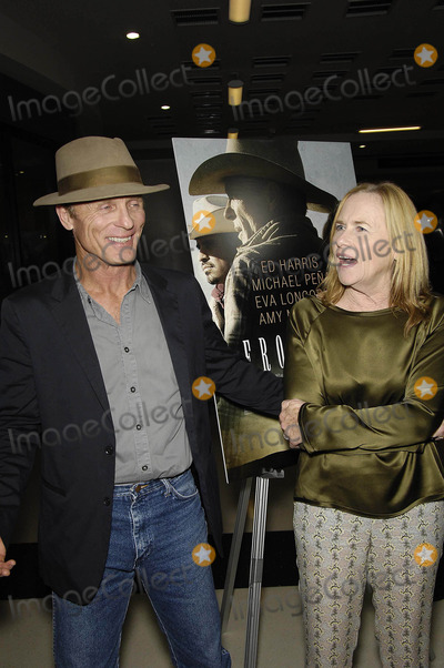 Amy Madigan Photo - Photo by Michael GermanastarmaxinccomSTAR MAX2014ALL RIGHTS RESERVEDTelephoneFax (212) 995-119682114Ed Harris and Amy Madigan at the premiere of Frontera(Los Angeles CA)