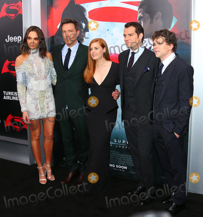 Jesse Eisenberg Photo - Photo by XPXstarmaxinccomSTAR MAXCopyright 2016ALL RIGHTS RESERVEDTelephoneFax (212) 995-119632016Gal Gadot Ben Affleck Amy Adams Henry Cavill and Jesse Eisenberg at the premiere of Batman v Superman Dawn of Justice(Radio City Music Hall NYC)