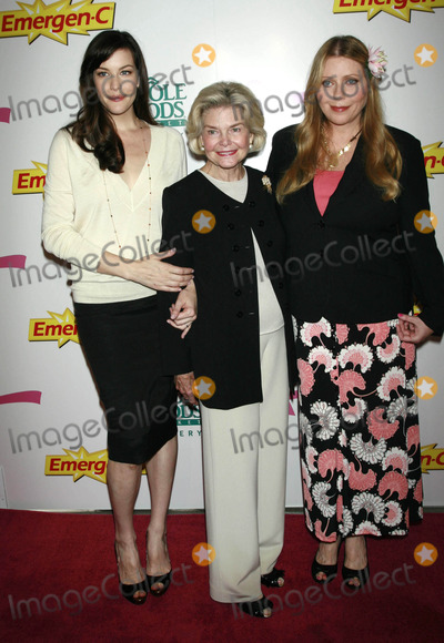 DOROTHEA JOHNSON Photo - Photo by Raoul Gatchalianstarmaxinccom200710807Liv Tyler Bebe Buell and Dorothea Johnson kick off Breast Cancer Awareness Month with the launch of Emergen-C Pink(NYC)