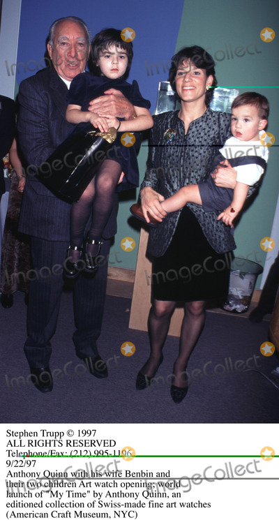 Anthony Quinn Photo - Photo by Stephen TruppSTAR MAX Inc - copyright 1997Anthony Quinn and Family