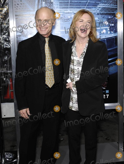 Amy Madigan Photo - Photo by Michael Germanastarmaxinccom2012ALL RIGHTS RESERVEDTelephoneFax (212) 995-119612312Ed Harris and Amy Madigan at the premiere of Man On A Ledge(Los Angeles CA)