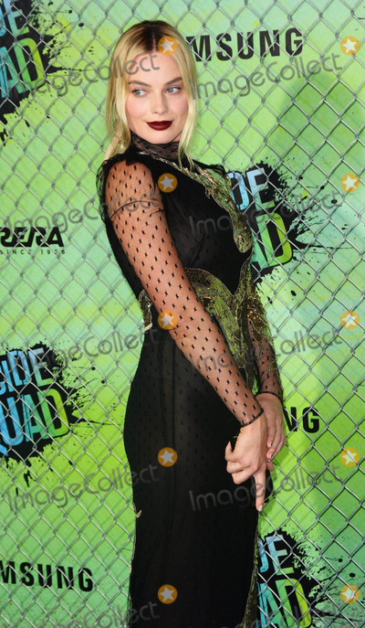 Margot Robbie Photo - Photo by Patricia SchleinstarmaxinccomSTAR MAX2016ALL RIGHTS RESERVEDTelephoneFax (212) 995-11968116Margot Robbie at the premiere of Suicide Squad(NYC)
