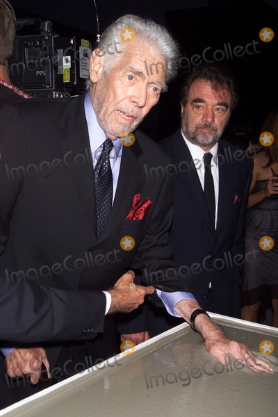 James Coburn Photo - Photo by Tom LauSTAR MAX Inc - copyright 20026102James Coburn at the 2002 Stella Adler Awards Gala(CA)