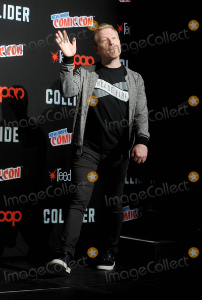 Anthony Rapp Photo - Photo by Dennis Van TinestarmaxinccomSTAR MAX2017ALL RIGHTS RESERVEDTelephoneFax (212) 995-119610717Anthony Rapp at Star Trek Panel at Comic-Con New York in New York City
