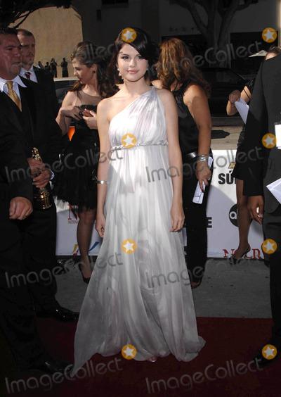 Selena Gomez Photo - Photo by Michael Germanastarmaxinccom200881708Selena Gomez at the 2008 ALMA Awards(Pasadena CA)