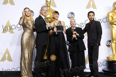 Jared Leto Photo - Photo by REWestcomstarmaxinccomSTAR MAXCopyright 2016ALL RIGHTS RESERVEDTelephoneFax (212) 995-119622816Margot Robbie Lesley Vanderwalt Elka Wardega Damian Martin and Jared Leto at the 88th Annual Academy Awards (Oscars)(Hollywood CA USA)