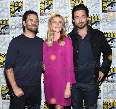 Antony Starr Photo - Photo by KGC-11starmaxinccomSTAR MAX2016ALL RIGHTS RESERVEDTelephoneFax (212) 995-119672316Antony Starr Megan Ketch and Justin Chatwin at a photocall for CBS at Comic-Con 2016(San Diego CA)