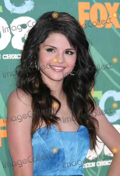 Selena Gomez Photo - Photo by REWestcomstarmaxinccom20088308Selena Gomez at the Teen Choice Awards(Los Angeles CA)