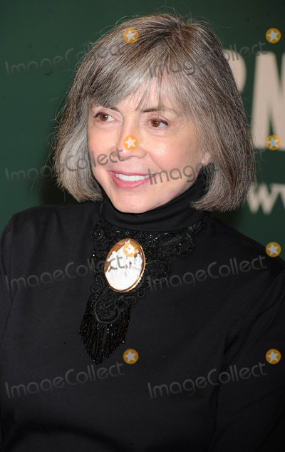 Ann Rice Photo - Photo by Dennis Van Tinestarmaxinccom2012starmaxinccomALL RIGHTS RESERVEDTelephoneFax (212) 995-119621612Anne Rice at a signing for her new book The Wolf Gift(NYC)