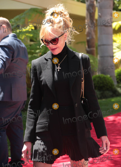 Melanie Griffith Photo - Photo by GPROstarmaxinccomSTAR MAX2018ALL RIGHTS RESERVEDTelephoneFax (212) 995-119641618Melanie Griffith is seen in Los Angeles CA