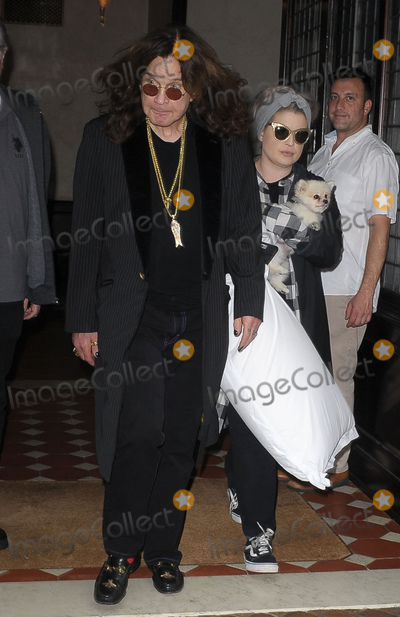 Ozzy Osbourne Photo - Photo by UMVstarmaxinccomSTAR MAXCopyright 2018ALL RIGHTS RESERVEDTelephoneFax (212) 995-119691218Ozzy Osbourne and Kelly Osbourne are seen in New York City(NYC)