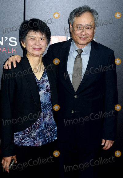 Ang Lee Photo - Photo by Dennis Van TinestarmaxinccomSTAR MAX2016ALL RIGHTS RESERVEDTelephoneFax (212) 995-1196101416Jane Lin and Ang Lee at The 54th New York Film Festival - Billy Lynns Long Halftime Walk(NYC)
