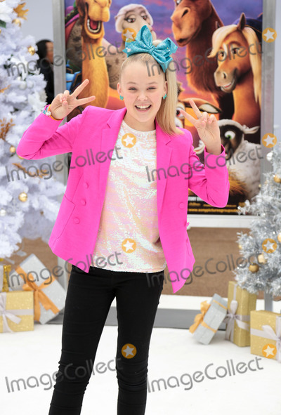 JoJo Siwa Photo - Photo by gotpapstarmaxinccomSTAR MAXCopyright 2017ALL RIGHTS RESERVEDTelephoneFax (212) 995-1196111217JoJo Siwa at the premiere of The Star held at the Regency Village Theatre in Westwood(Los Angeles CA)