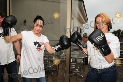 Nadya Octomom Suleman Photo - Nadya Octomom Suleman and her opponent Hollywood Gentlemen Club bartender Cassandra Andersen appear at the pre fight conference for the Big Bang Celebrity Boxing Match Press Conference held at Ocean Manor Resort Fort Lauderdale FL 19th August 2011