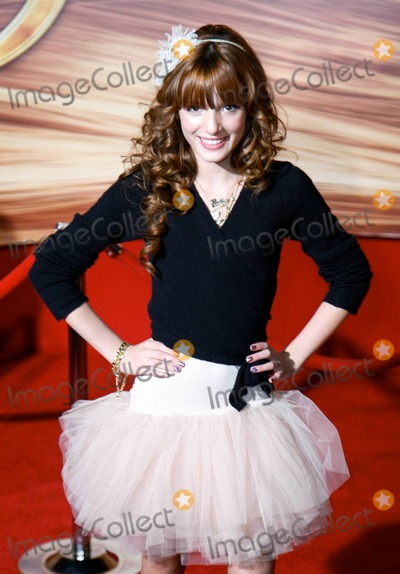 Bella Thorne Photo - Bella Thorne at the premiere of Tangled at the El Capitan Theatre in Hollywood CA 111410