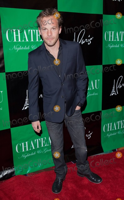 Kiowa Gordon Photo - Stephen Dorff poses for photographers at Chateau Nightclub inside the Paris Hotel to celebrate Twilight stars Tinsel Korey and Kiowa Gordons birthdays Las Vegas NV 032611